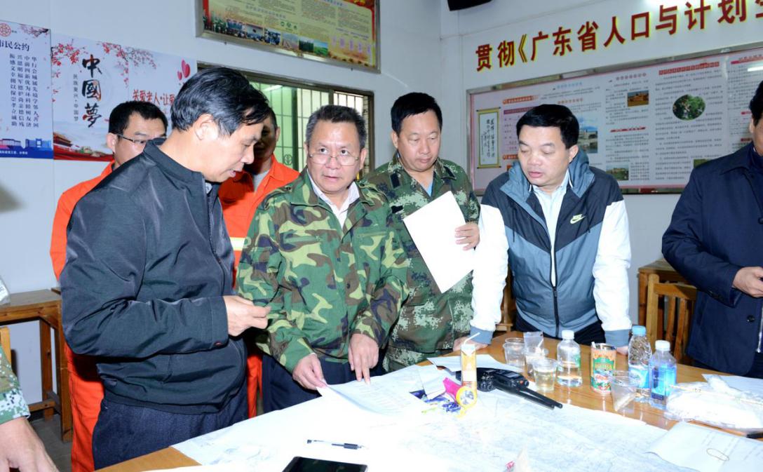 省应急管理厅12月1日凌晨再次派出工作组到前方现场指挥部指导灭火工作.png